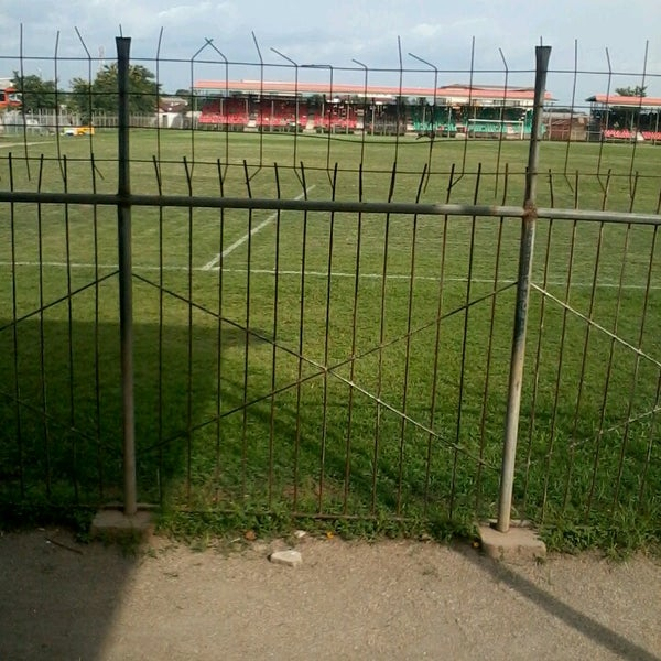 SUNYANI: B/A fans chased and attacked referee on pitch (VIDEO)